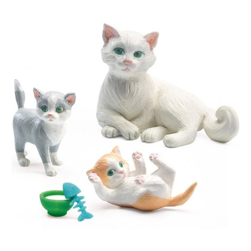 Как играть с кошкой дома: игрушки и развлечения. нужно ли и как правильно играть с кошкой? как управлять игрой