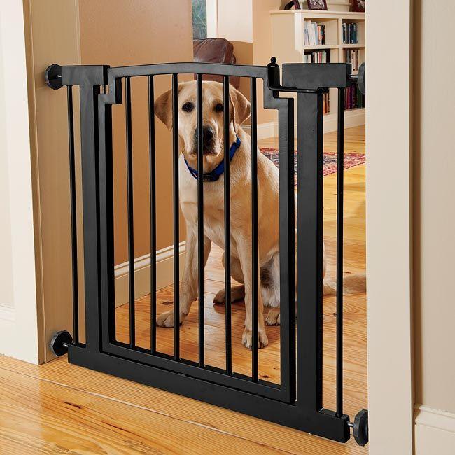 Барьер для собак в дверной проем своими руками