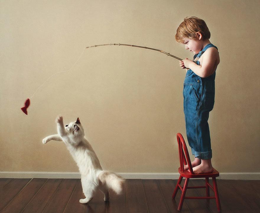 Как играть с кошкой?