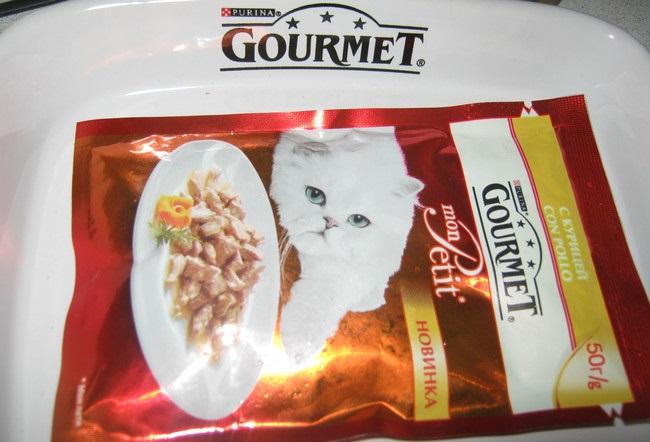 Обзор кормов для кошек гурме (gourmet)